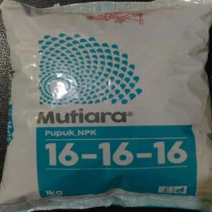 Pupuk NPK Mutiara 16-16-16 (1kg)